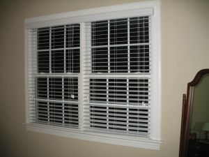 2 Faux Wood Blinds (18)