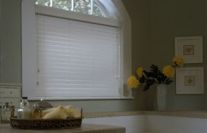 2 Faux Wood Blinds (21)